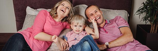 кохлеарная имплантация и счастливые семьи