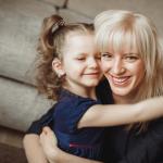 Дети после кохлеарной имплантации — фото Миланы с мамой