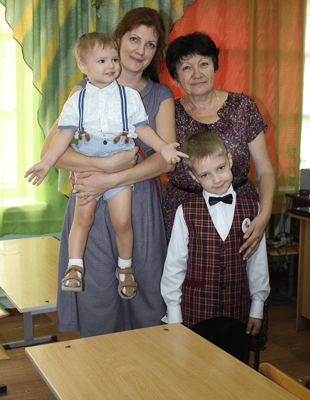 Елена с сыновьями